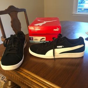 Brand New Puma Men's suede sneakers